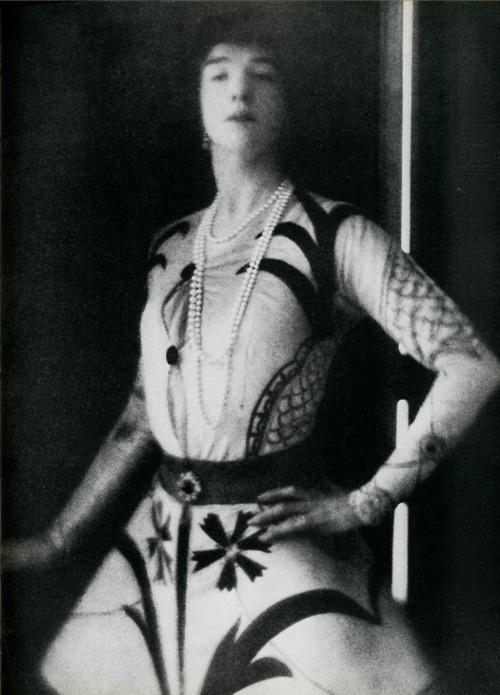 Gertrude Vanderbilt c.1913 - Baron Adolf de Meyer
