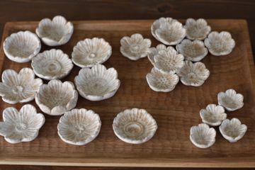 鹿児島 睦 : 小さな白い花 | Sumally