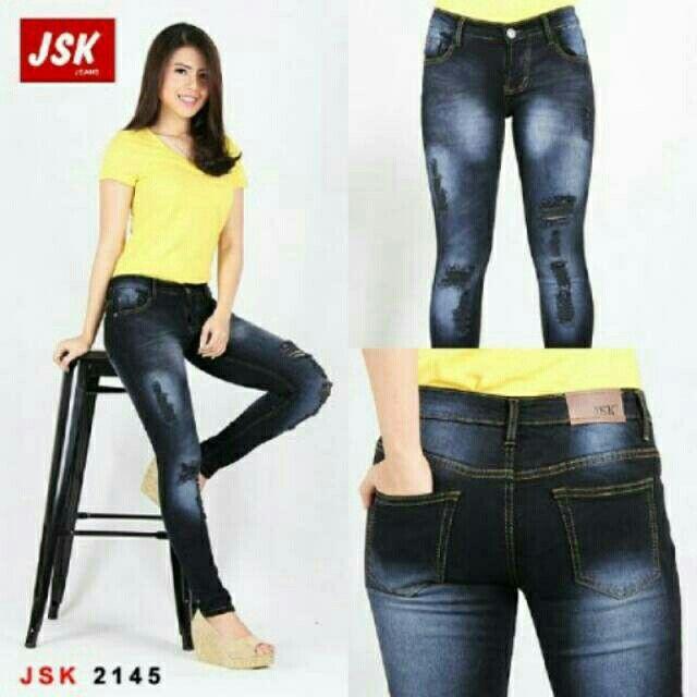 Celana Ripped Skinny Jeans Hitam Sprey seharga Rp135.000. Dapatkan produk ini hanya di Shopee! https://shopee.co.id/zevenstore/418996796/ #ShopeeID