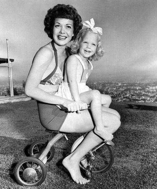 Jane Wyman and her daughter Maureen.