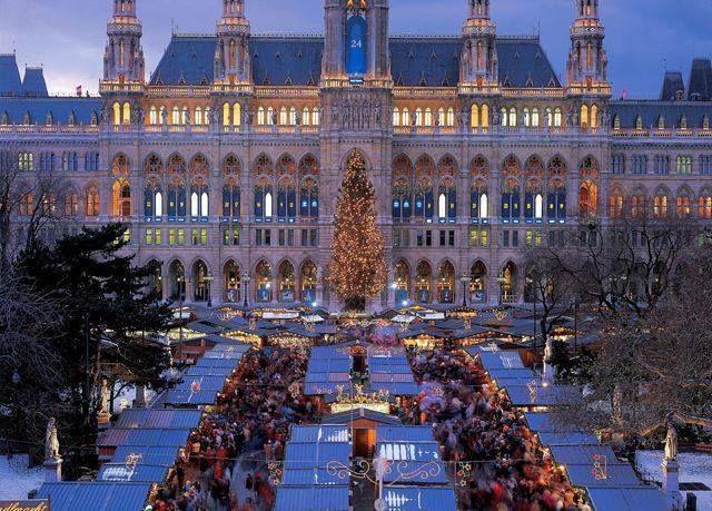 Βιέννη Χριστουγεννιάτικες αγορές 4 ημέρες με γκρουπ από 430 ευρώ το άτομο Η τιμή συμπεριλαμβάνει αεροπορικά εισιτήρια 3 διανυκτερεύσεις σε ξενοδοχεία 4 με πρωινό μεταφορές από/προς το αεροδρόμιο/ξενοδοχείο περιηγήσεις ξεναγήσεις και ασφάλεια αστικής ευθύνης!Για κρατήσεις επικοινωνήστε μαζί μας! http://ift.tt/2yKeiOO