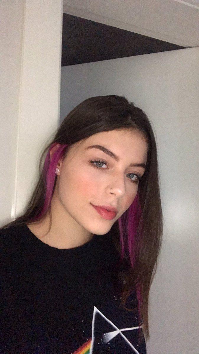 Cabelos Com Mechas Coloridas In 2020 Hair Color Streaks Hair Inspo Color Hair Color Underneath
