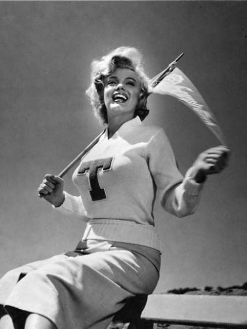 Citaten Marilyn Monroe Ga : Best cheerleaders in the good old days images on pinterest