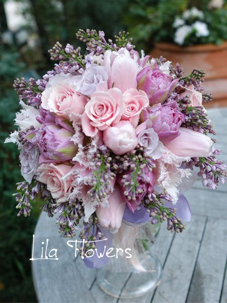 リラ フラワーズ(Lila Flowers) クラッチブーケ PALE PINK