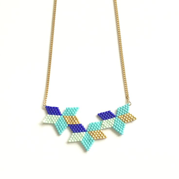Collier fin tissage étoiles bleu doré turquoise en perles miyuki de la boutique GeneralMotif sur Etsy