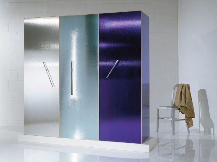 Download the catalogue and request prices of Wardrobe by Oak Industria Arredamenti, frosted glass wardrobe design Ettore Sottsass jr, Ettore Sottsass Limited Edition collection