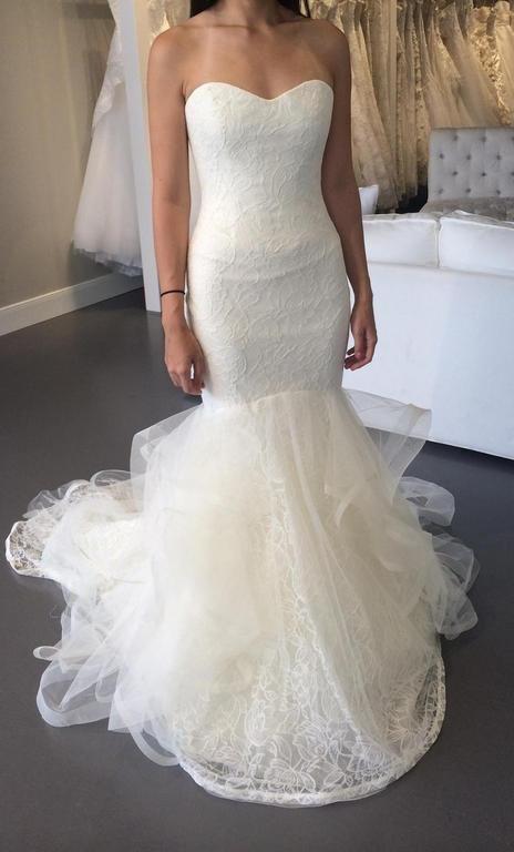Brand New Authentic Vera Wang Bridal Gown Lillian Wedding Dress Size 6 Free  Veil