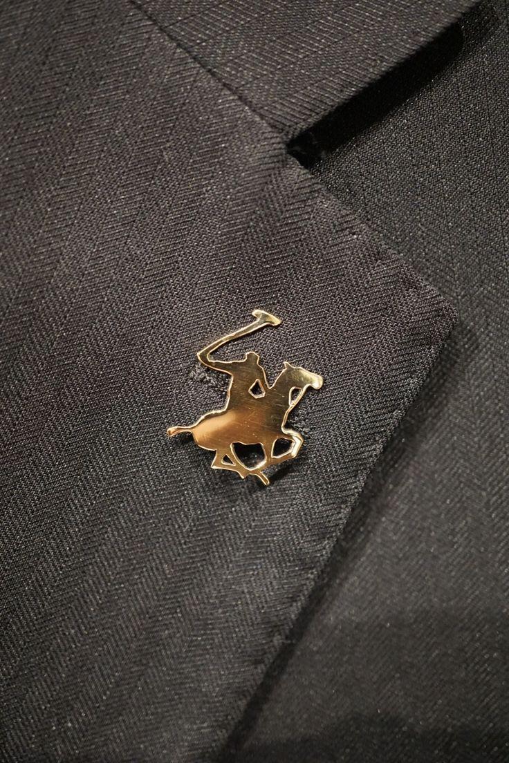 Polo pin jacket - gold 18 kt handmade by Oreficeria Gioielleria Dogale Venezia Italia