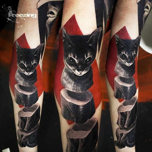 Рукав в процессе... #suprematism #vanguard #modern #freezing_tattoo #cat #red&black #denis #moskalev #nbktattoocollektive #nbk #moderntrash #tattooart #cattattoo