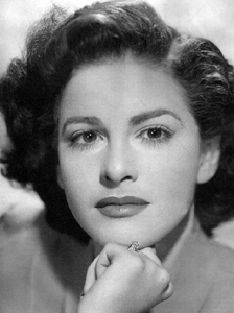"""María Teresa Sánchez González    Lugar de nacimiento:      Pinar del Río, Cuba    Fecha de nacimiento:      26 de mayo de 1925    También conocida como:      La """"Muñeca"""" Sánchez"""