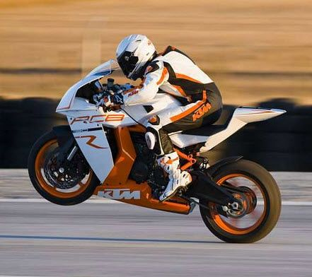 KTM Duke Bike Wallpapers, Latest Free KTM Duke Motorcycle Wallpapers Photo Gallery. Browse through KTM Duke Bike motorcycles Pics and more.