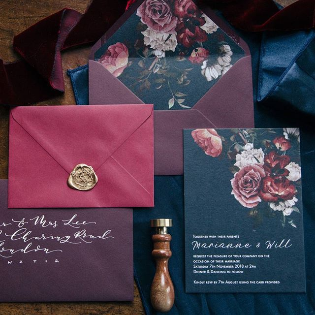 OPULENT INVITATIONS ////// I loved creating stationery for our Opulent Winter shoot at @hillersdon.house ... the colour palette of deep navy marsala and wine red was so lush especially with touches of gold from the wax seals. Although I designed and made all the invitations I did get in some help from my good friend and fellow stationer @dewintonpaperco who did a beautiful addressed envelope to match in calligraphy. ///// Photographer @barrow_emma  #weddinginvitations #weddingstationery…