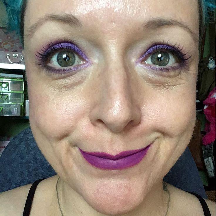 Wish I'd stop seeing flaws... #selfie #selfportrait #makeup #katvond #makeupforever #maccosmetics #nars