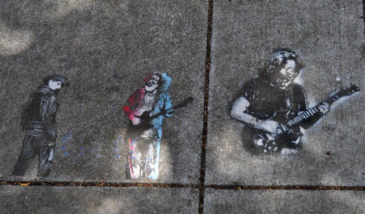 \Artwork in front of The Grateful Dead's former house in SF's Haight Ashbury District.