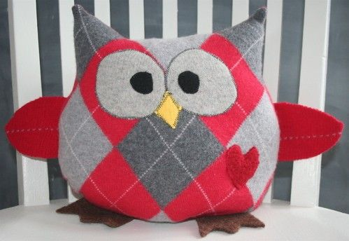 Hoot is handcrafted from premium, upcycled felted wool sweaters and has a cozy fleece backing--just perfect for cuddling. Hoot makes a lovely eco