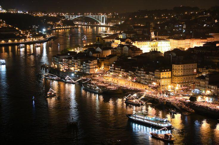 Saint John night in Porto, Portugal [Noite de São João, Porto] - SkyscraperCity