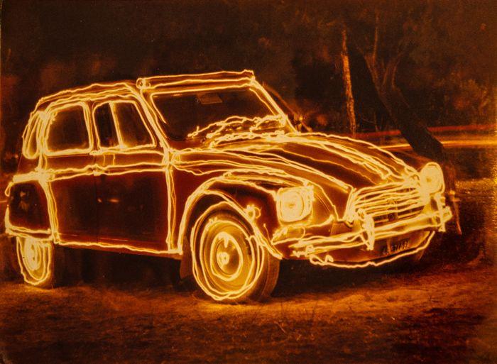A 30 anni compiuti, Giulio Spagone fa della passione sua e di suo padre, la fotografia, una vera e propria professione, portando agli estremi una tecnica tra le più ricercate e difficili del settore: il lightpainting.