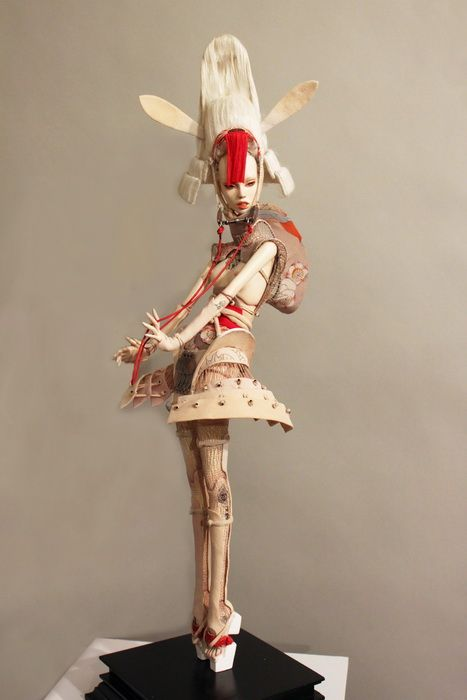 This doll is by the twin sisters Ekaterina and Elena Popovy from Russia. Check out their other works - crazy detail.