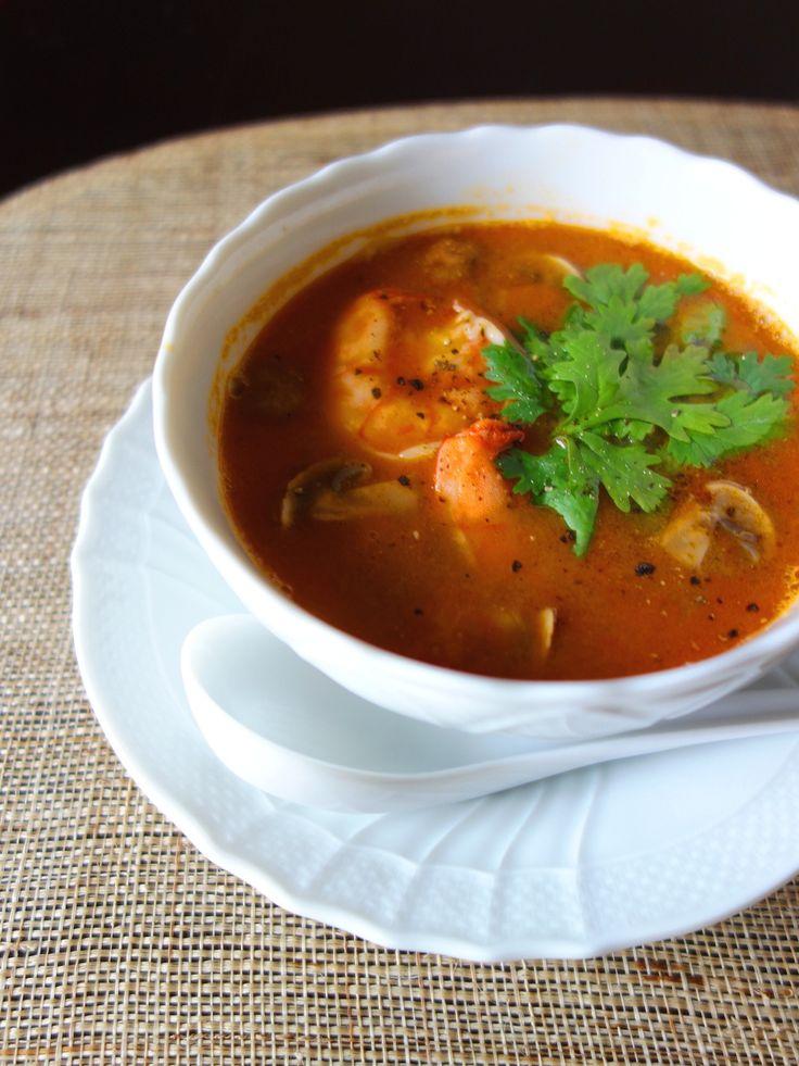 身近な食材で☆本格トムヤンクン by Y's / 身近な食材で作る、本格トムヤンクン。暑い時期にぴったりの、スパイシーで海老やトマトの旨味たっぷりのスープです♪ / Nadia