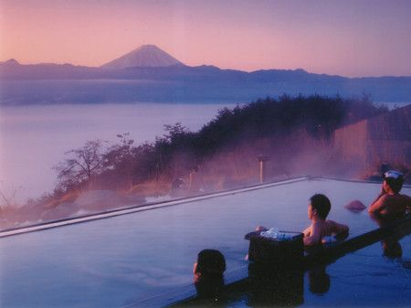 Hot spring face to mount Fuji !