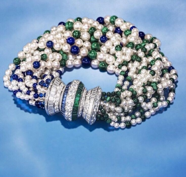 """The Qazvin Bracelet from Van Cleef & Arpels """"Seven Seas Collection"""" (pearls,white diamonds with emeralds and sapphire beads) ! Just stunning ❤️"""