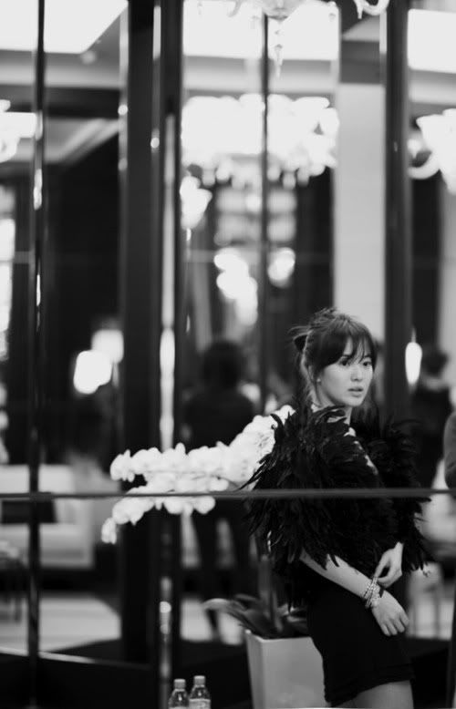Song Hye Kyo at Chanel Fashion Show.