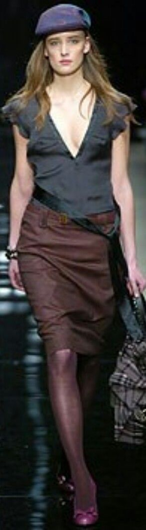 BURBERRY FALL 2004 READY-TO-WEAR
