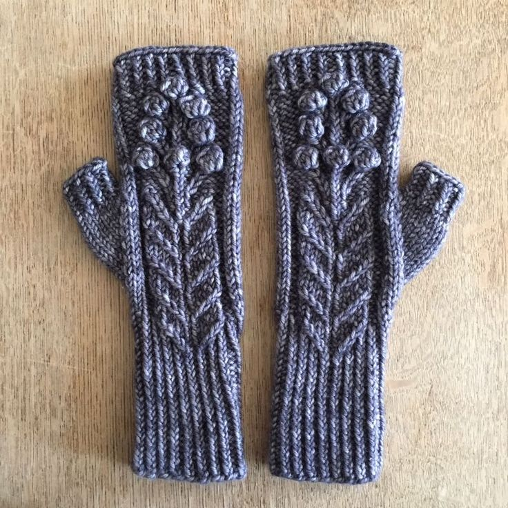 Spring Bloom Mitts by Rachel Atkinson for Loop, London. Free to download || my life in knitwear