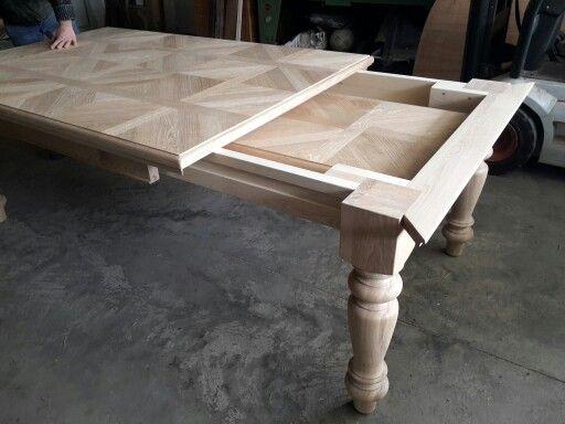 E il tavolo diventa grande