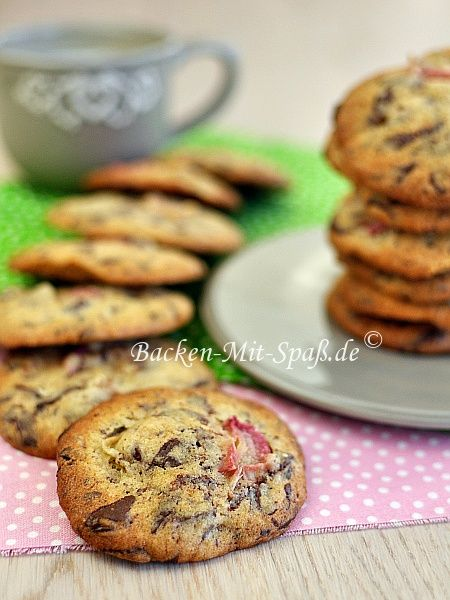Rhubarb chocolate chip cookies.
