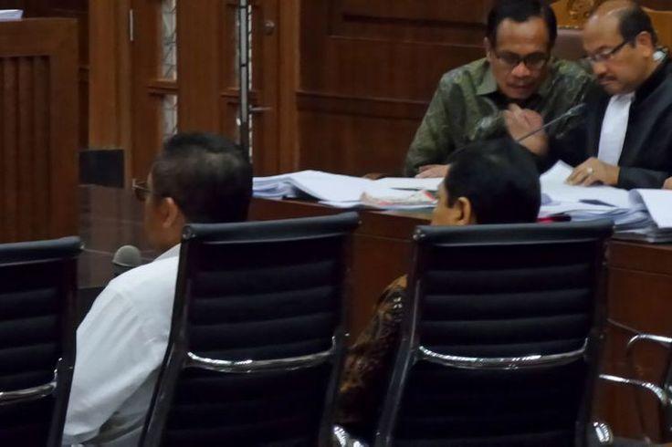 Beritaragam.com - Mantan Ketua Fraksi Partai Demokrat Anas Urbaningrum mengatakan, tak ada atensi khusus Partai Demokrat selama proses pembahasan dan pengadaan kartu tanda penduduk berbasis elektronik (e-KTP).   #Beritaragam #e-KTP #proyek #SBY