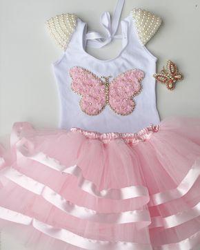 eeb103101 ... contém: Saia de tule rosa com barrado de fitas. Bico de pato borboletas  em pérolas e strass Collant branco bordado com borboleta e pér… | Moda |  Vesti…