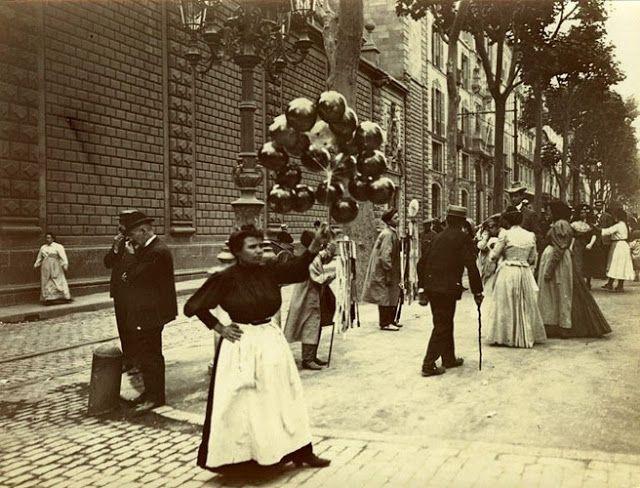 1900 - Vendedora de globos en Rambla Catalunya