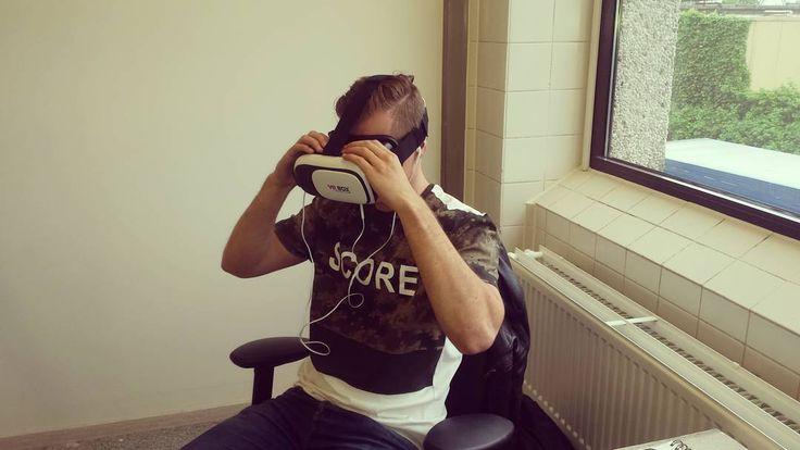 Bij Orange Films duiken we vast virtueel het weekend in!  #virtualreality #vr #bril #weekend #duiken #misselijk #cool #experience #video #film #videoproductie #orangefilms by orangefilmsnijmegen - Shop VR at VirtualRealityDen.com