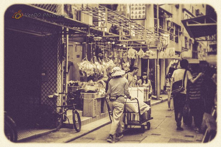 http://www.veedophotography.com/128-of-365project-the-art-of-street-photography-tai-o/