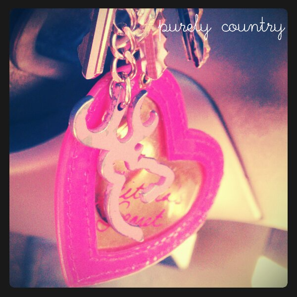 <3: Country Things, Country Girls, Camo Country, Angel Cards, Brown Keys, Country Life, Cutest Keychains, Keys Chains, Brown Heart