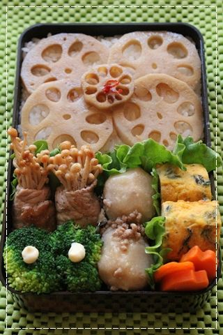 Autumn Japanese Bento Lunch (Seasoned Renkon Lotus Root on Rice, Mushroom Pork Roll, Satoimo Yum and Dashimaki Egg)|弁当