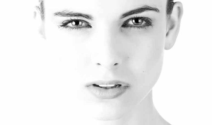Vaselina para los ojos hinchados - Trucos de belleza caseros
