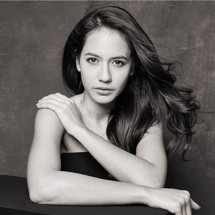 Friday Favs: In the mood for @pevpearce #artis #pevitapearce #iphonesia #beauty #jakarta #indonesia #pevpearce #indonesiacantik #actress