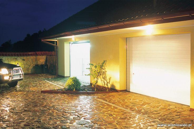 Sektionaltore in allen Größen und Farben. Individuell an ihre Garage angepasst.
