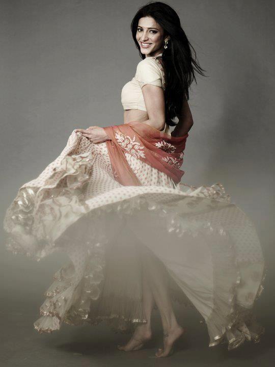 Actress Shruti Haasan photoshoot