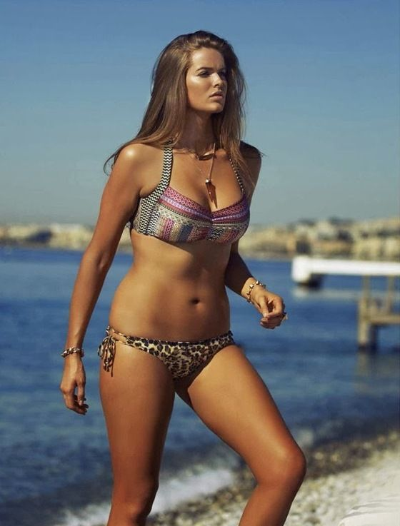 Robyn Lawley's body type is the one that I most identify with. I want to tone down just that little bit more. I think her body is awesome.