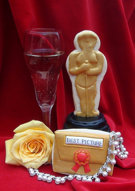 Night At The Movies in addition Oscar Ready Walk Of Fame Brownies Peek From My Book in addition Hollywood Shes A Star Party She Was Born To Shine together with Movies Oscar Statuette Silhouette Coloring together with 821407. on oscar awards cookie cutter