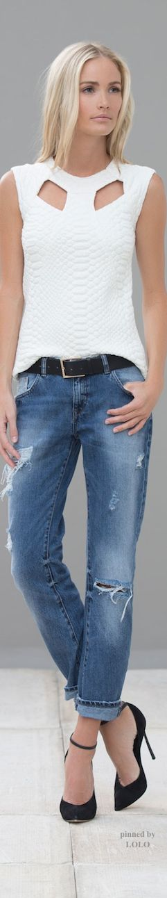 textured cut out top.....great jeans....stunning heels....day into night....