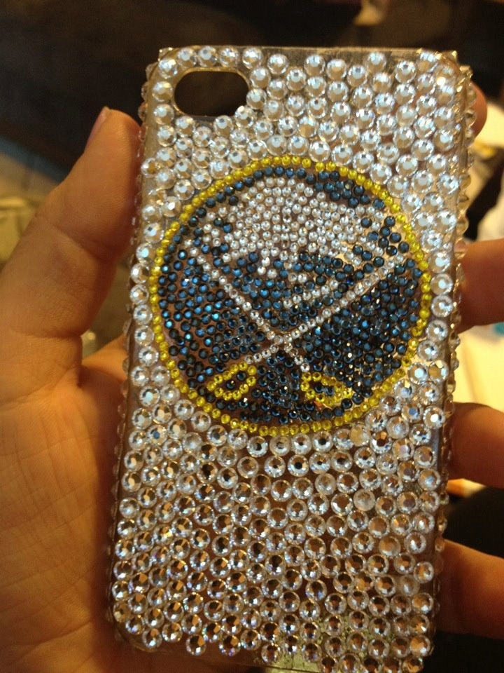 I NEED THIS!!!!!    Buffalo Logo Swarovski Rhinestone Case. $70.00, via Etsy.