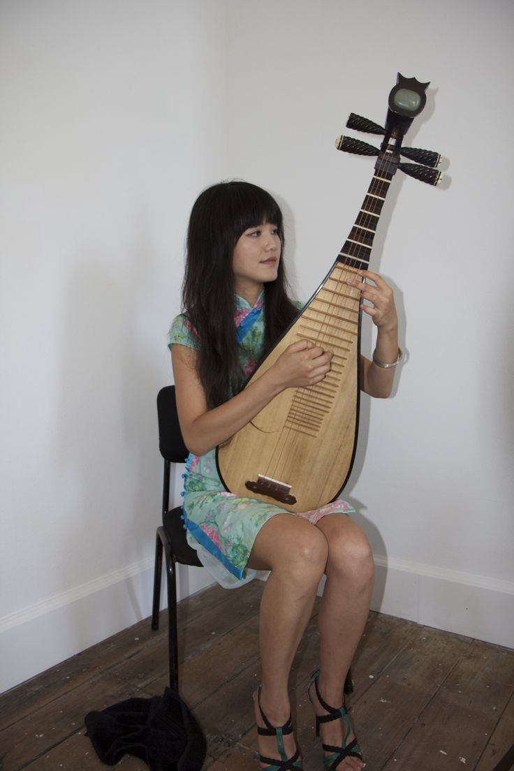 Lien Pei Ju (Taiwan) As part of her FAC residency in conjunction with Asialink, Lien collaborated with artists and musicians, working on original compositions and playing an ancient instrument, the Pipa. 2013.