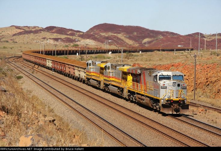 Pilbara Trains -- Rio Tinto Iron Ore 8143 General Electric ES44DCi, 31/08/2009.