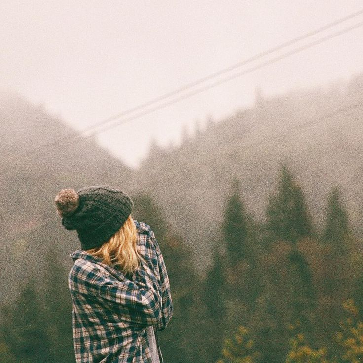 knit hat (@zoelaz) • Instagram