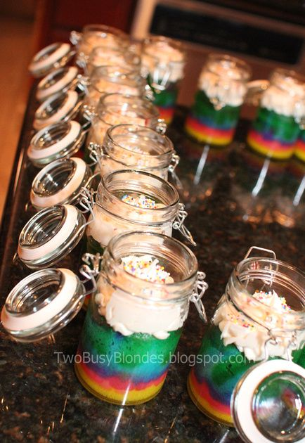 Teacher appreciation week/end of the year gift ideas. Cake BAKED in the jar! Such a cute idea!