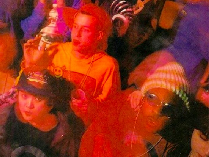 an overview of the rave culture in music and the raver fashion In fact, rave fashion has evolved alongside the scene itself, which was driven in its first days by american house music, ecstasy and the influence of ibiza's club scene.
